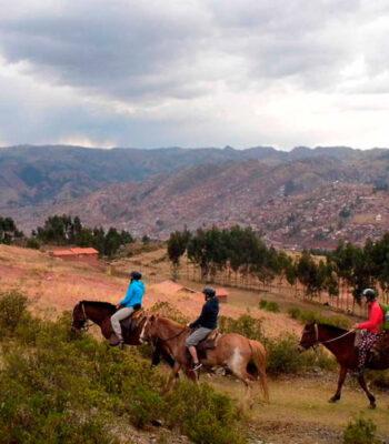 Cabalgata in Sacsayhuaman